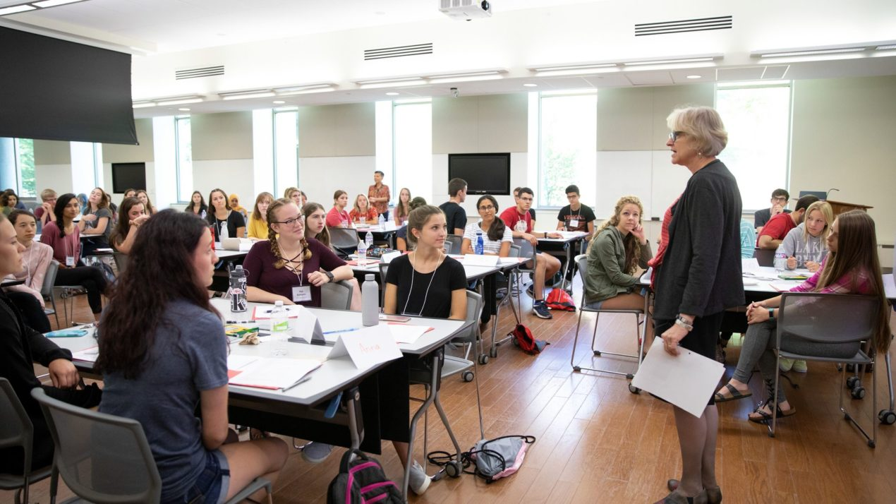 Freshman seminar helps put CALS students on path to success
