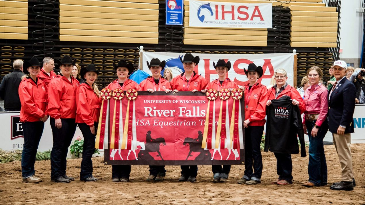 Young Equestrians From River Falls Do Well