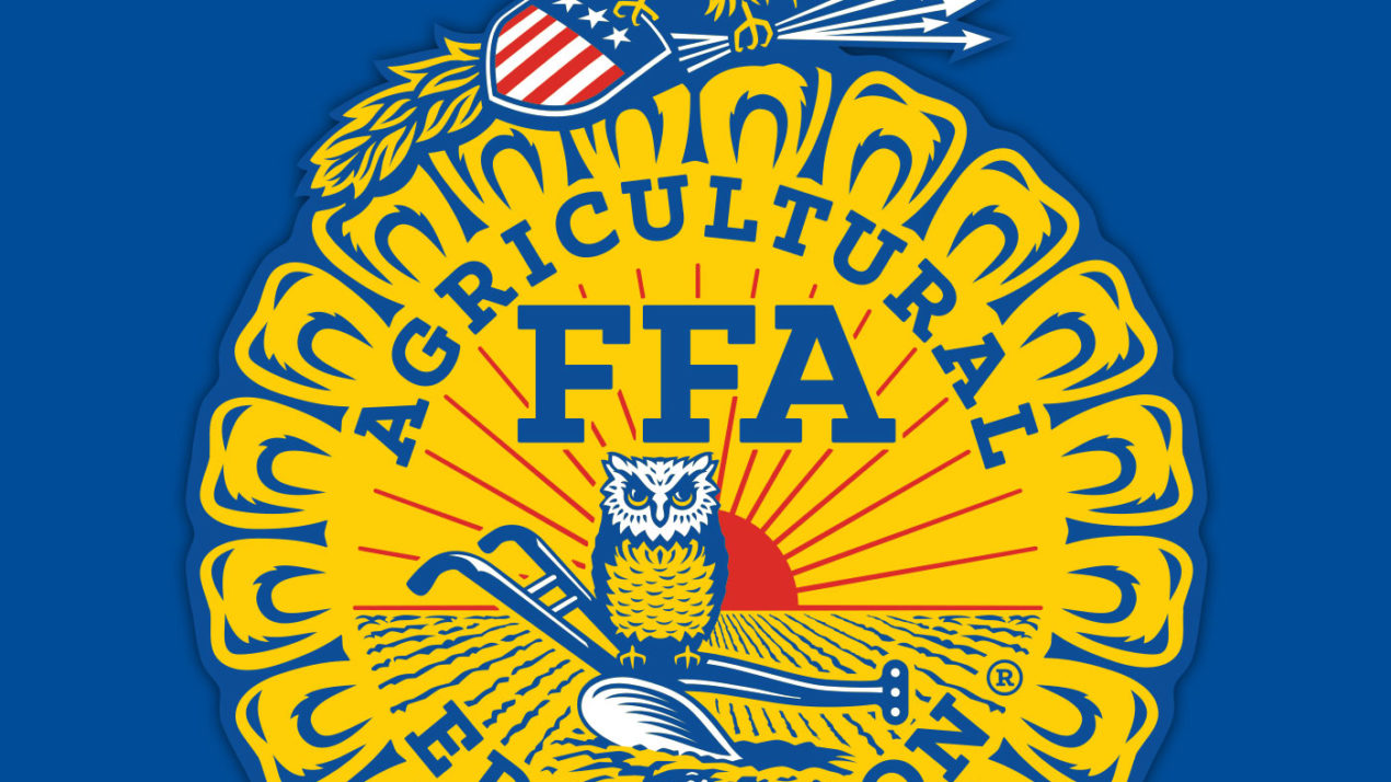 Sauk Prairie FFA Does Everything It Can to Help Farmers Right Now