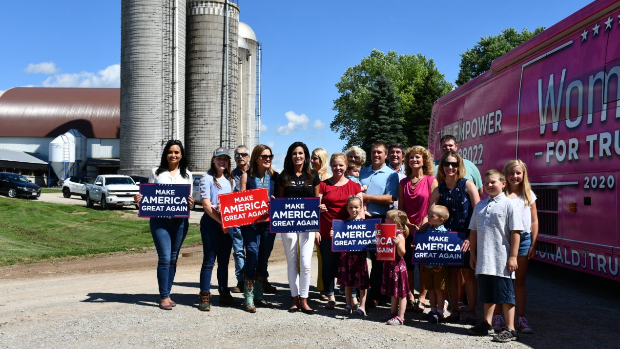 WFBF Members Host Women for Trump Tour