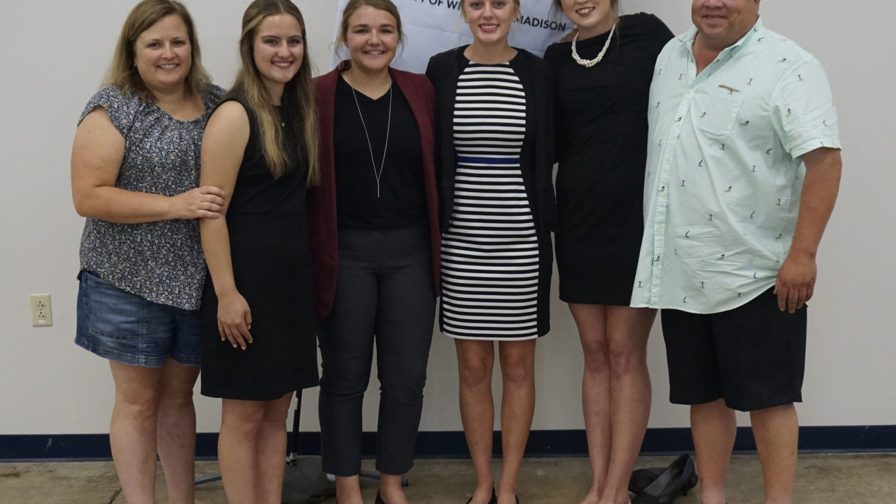 Wisconsin Tops National 4-H Dairy Judging