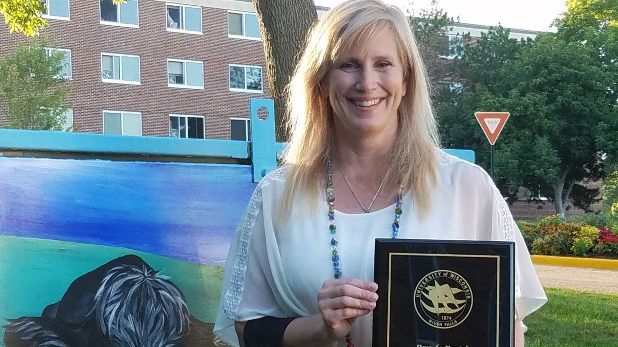 Boetel Named UWRF Adviser Of The Year